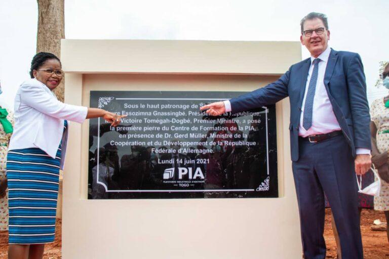 Togo/ Victoire Tomegah Dogbé lance les travaux de construction du centre de formation professionnelle de la PIA